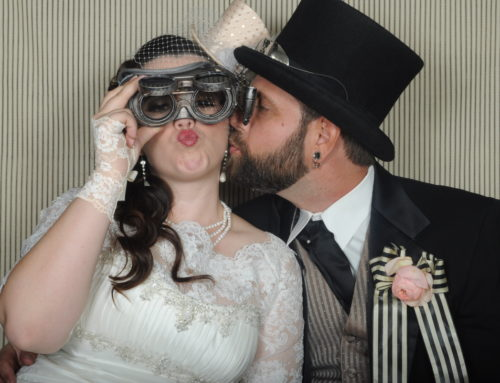 How to rent a photo booth for your wedding